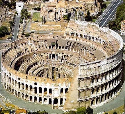 L'immagine raffigura il Colosseo a Roma