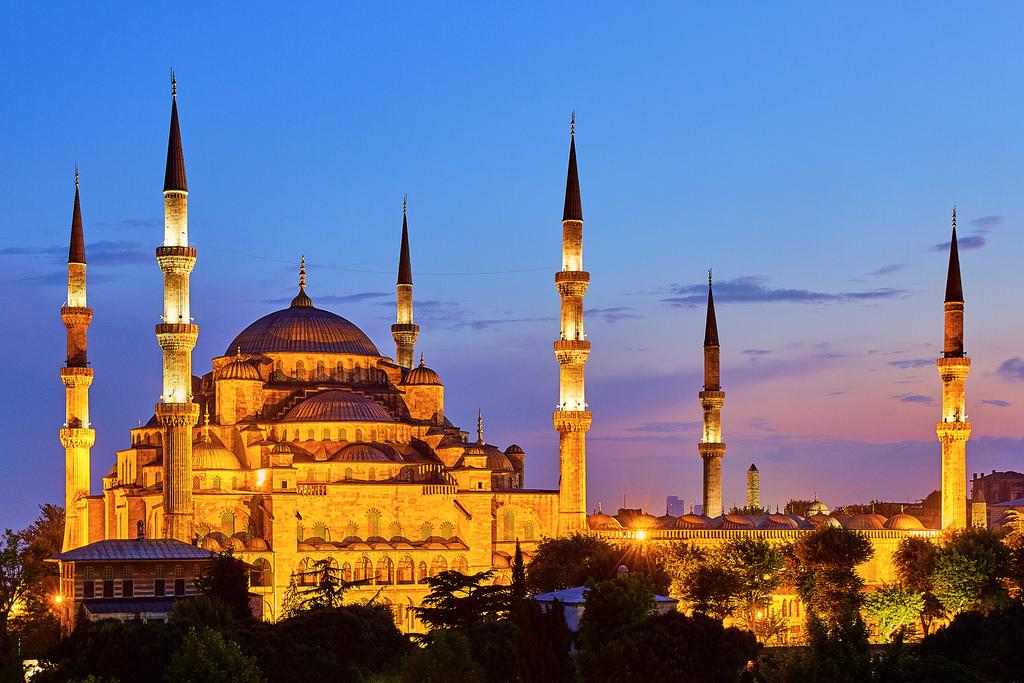 L'immagine raffigura una veduta di Istambul