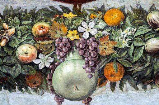 L'immagina raffigura un Dettaglio Loggia di Amore e Psiche - Disegno di Raffaello, Villa Farnesina, Roma