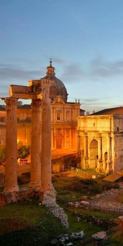 L'immagine rappresenta il Foro romano a Roma