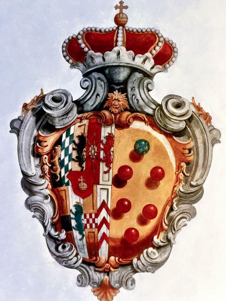 L'immagina raffigura lo stemma della famiglia dei Medici
